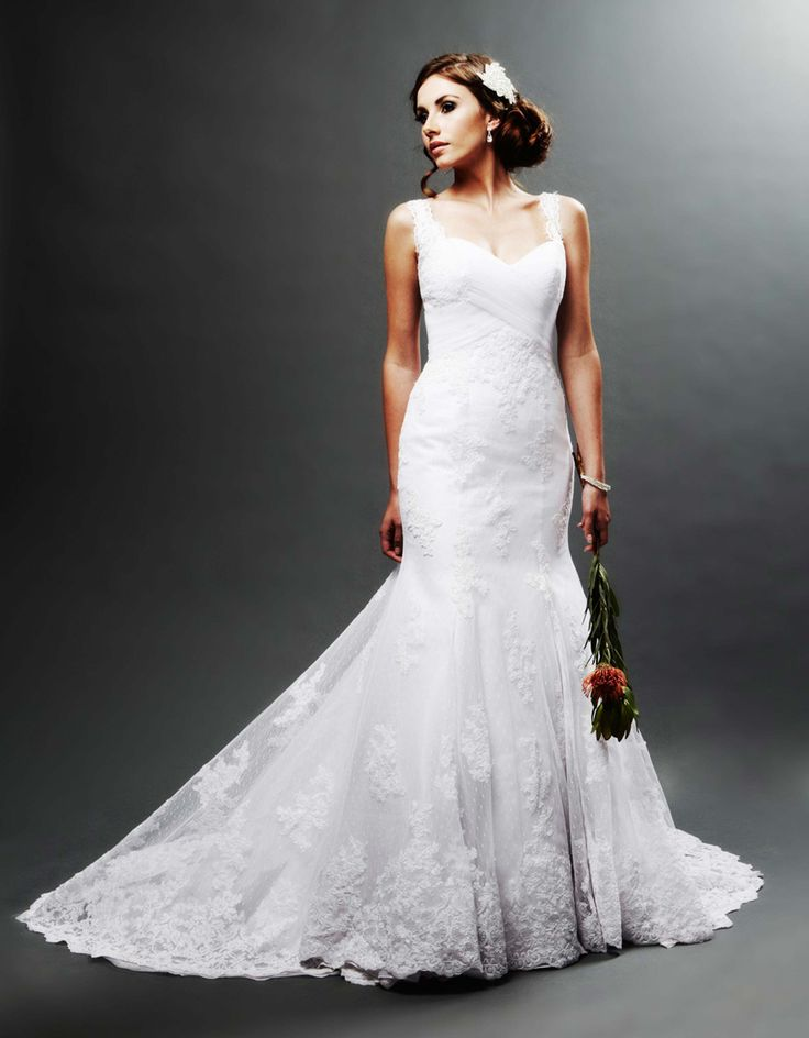 lace sleeve wedding gown