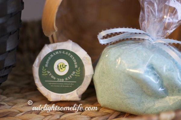 Christmas Gift Idea - Homemade Bath Salts recipe - Lavender