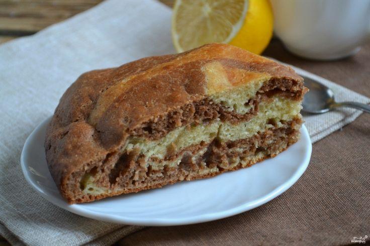 """Пирог """"Зебра"""" - простейший в приготовлении и очень вкусный пирог, отличающийся своим оригинальным внешним видом. Этот пирог пекли еще наши бабушки, но популярностью он пользуется до сих пор."""