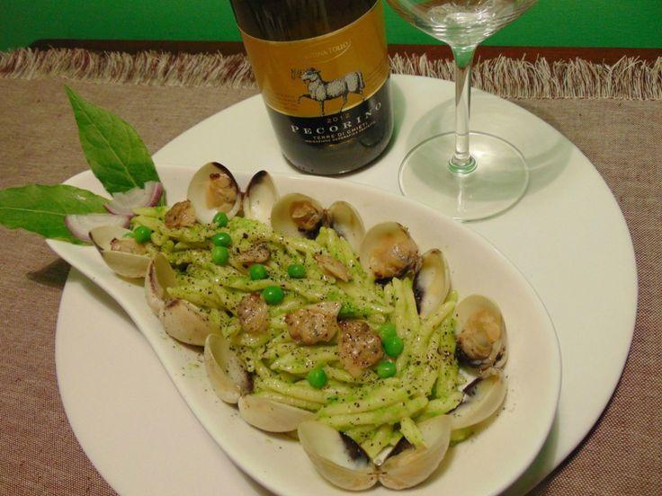 """AbruzzoIN…cucina. La nuova ricetta della Prof. Antonella Petrella. """"Trofie al pesto di piselli con vongole"""""""