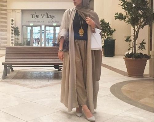 modest, abaya, and Dubai image