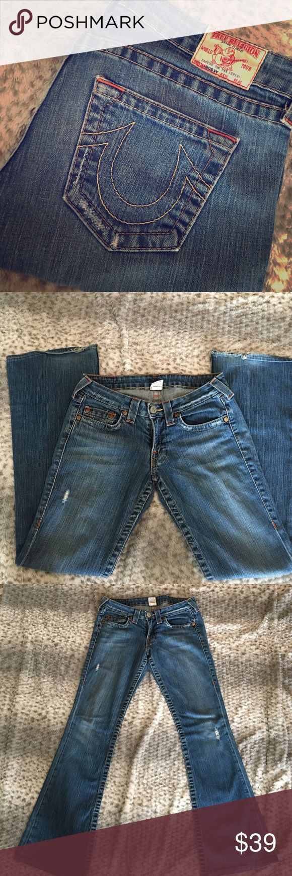 """True religion jean. Size 29 True religion """"bobby"""" jeans. Size 29, length 32. They were a little long for me so there is some fraying on the bottom of both legs in the back, see pics. True Religion Jeans Boot Cut"""