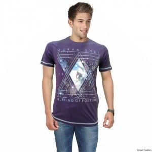 Droom Fashion offers a stylish addition to your laid-back look with this trendy graphic T-shirt. Buy this cool Tshirt and team it with a pair of jeans and casual shoes for a perfect, cool look. This piece is perfect when you are out for an evening with your friends.