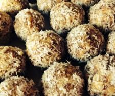 Bliss balls - a healthy snack | Official Thermomix Recipe Community