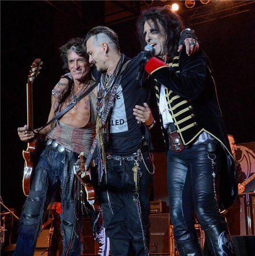 Новости Johnny Depp Tim Burton news Joe is back,,,can you see the love here?  WoW