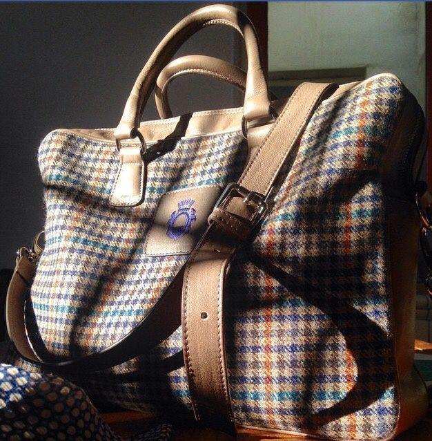 zampa-di-gallina:  Bag Fratelli Noviello from menneedmorestyle.  Now available at zampadigallina.com
