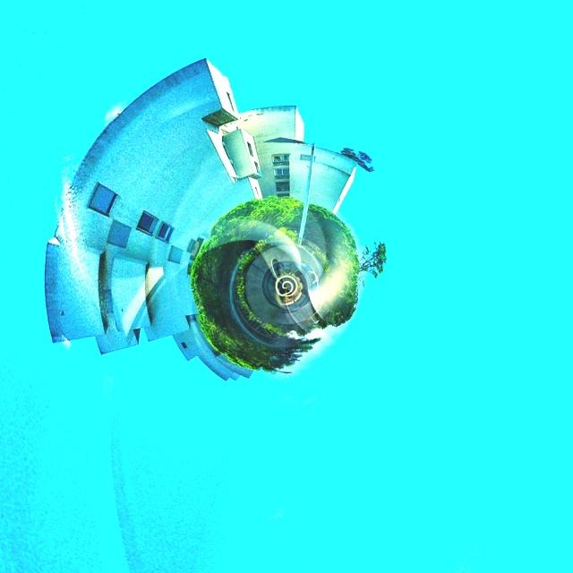 Tiny Aqua Planet