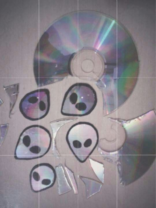 Tumblr | Indie | Alternative | Grunge | Aliens http://spotpopfashion.com/2wvm