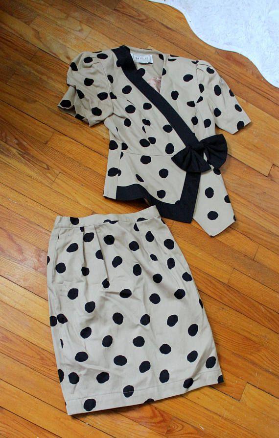 Vintage Suits Me Donna Morgan Skirt Suit // Beige Suit with