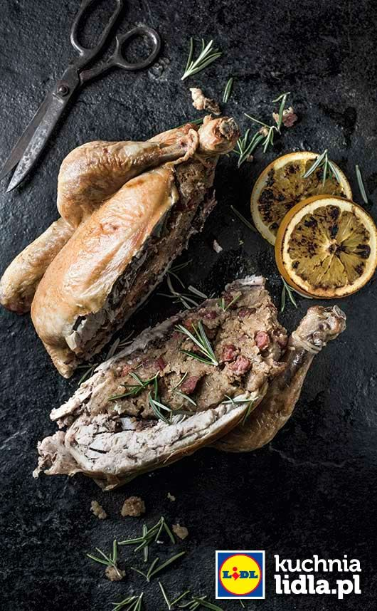 Kurczak z farszem z żytniego chleba i rozmarynem. Kuchnia Lidla - Lidl Polska. #lidl #chrupiacezpieca