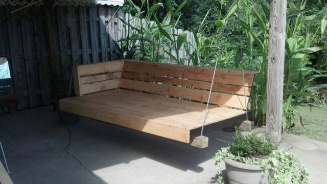25 best ideas about pallet porch swings on pinterest for Outdoor pallet swing bed