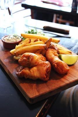 La Boîte aux Lettres - 75 018 Paris fish and chips frites maison