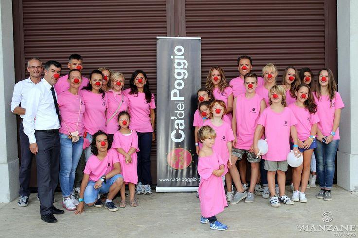 il Ristorante Relais Ca' del Poggio, main sponsor della vendemmia di solidarietà, con le magliette rosa.  #ProseccoeSorrisi #vendemmia Fondazione Dottor Sorriso Onlus www.dottorsorriso.it - www.lemanzane.com - www.cadelpoggio.it
