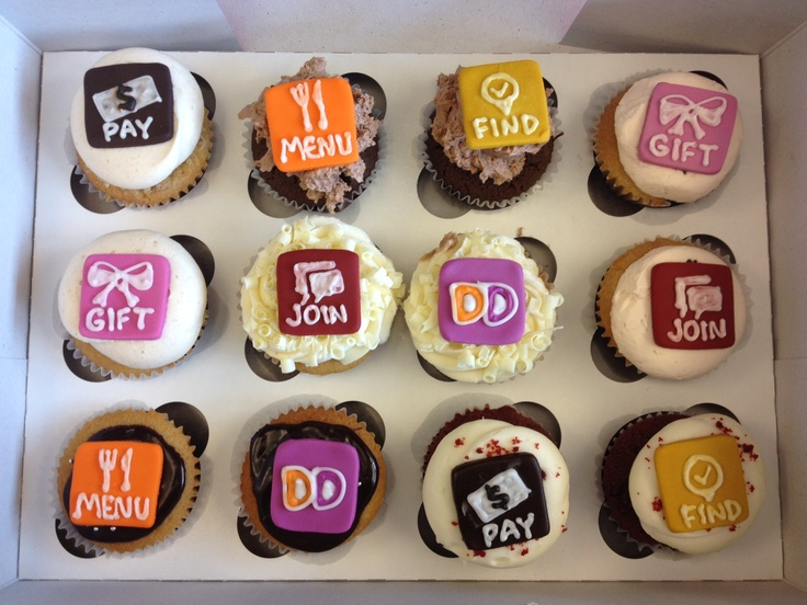 Dunkin' App inspired cupcakes! Aren't they cute? Click on pin to get the new Dunkin' App!