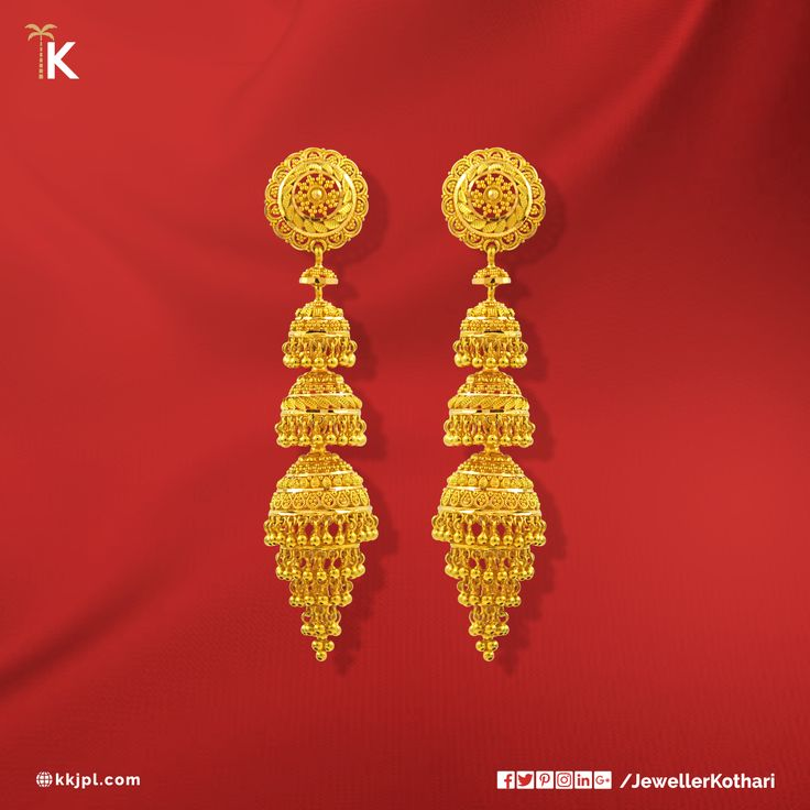 Make your #bride shine on her #wedding, with this exquisite and contemporary #jewellery. Visit Karan Kothari Jewellers to choose from our wide collection.    #TripleLayers #PlainGold #Jhumka #Attractive #Traditional #PartyWear #LightWeight #kkjpl #PureAndTimeless     Net Wt: 35.42 gms  Colour: Yellow Gold    Purity: 22K  Certification: Hallmark   Product Code: 86A32249
