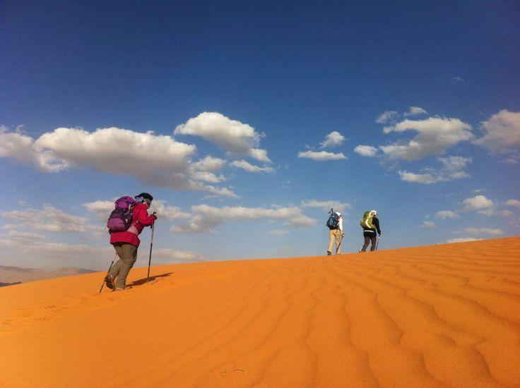 un viaggio e un trekking nel silenzio di uno dei deserti dell'Iran e la possibilità di vedere i suoi luoghi più suggestivi con un viaggio indimenticabile.