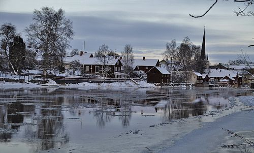 cold and beatiful here in Arboga Sweden today, and wish you all a happy weekend