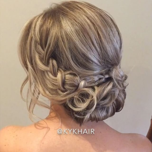 🎥 How To Hairstyling Ideas by @kykhair Grecian Braid 🎥 __________________________ #hudabeauty #vegas_nay #styleartists #hair.video #videosfashions #hair.videos @videostutorials.s #hairmakeupdiary @hairvd @hairsandstyles #wakeupandmakeup #makegirlz #glamvids #glamourvids @tutorialesvideos #tutorialfashionvideo @hairspost.s #lillyghalichi _________________________ Spam Share Comment Like all with Love for More KYK 🎥 _________________________ Makeup by @gabriellemakeupartist
