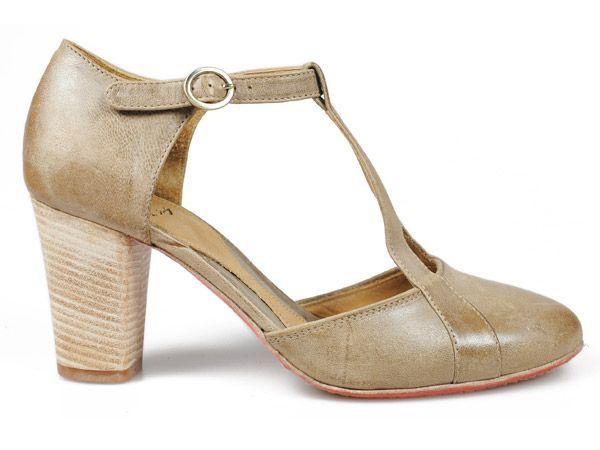 Voglia di tango per Sax: una scarpa con il laccio per ballare fino a tarda notte