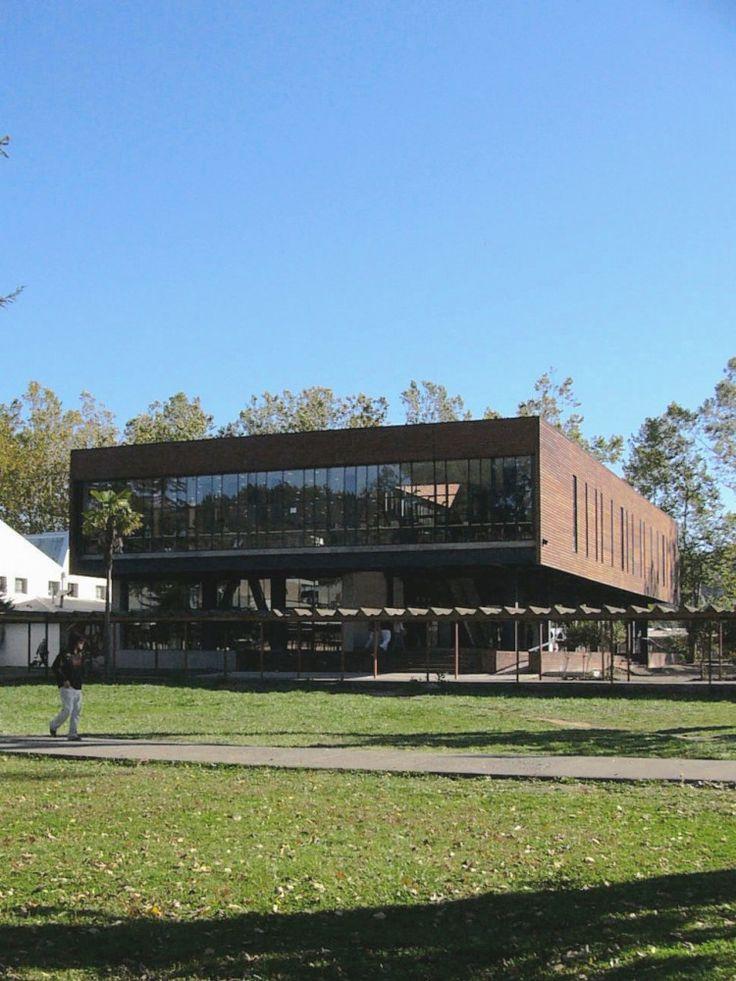 Rubén Muñoz - Biblioteca Universidad del Bio Bio, Concepción, Chile (2007) #educational #school #libraries