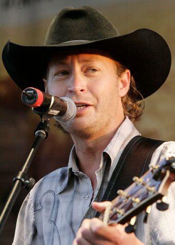 Paul Brandt headlines Halo High Water flood relief concert boasting country crooners Dean Brody, Caroyn Dawn Johnson and George Canyon | Calgary | News | Calgary Sun