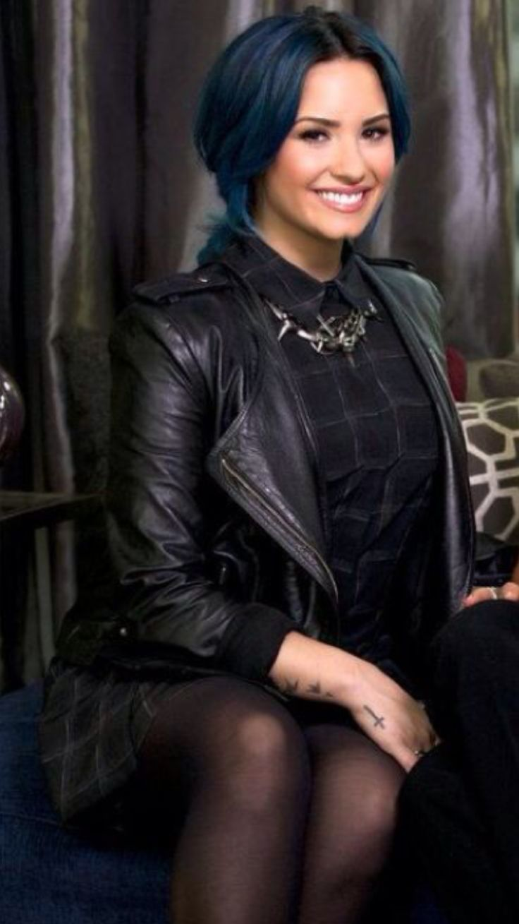 Demi Lovato in sexy outfit with black pantyhose ...