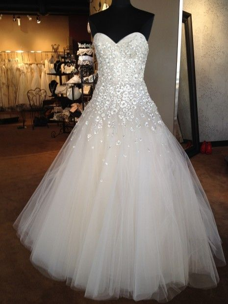 729 best Almost Perfect Wedding Dresses images on Pinterest   Gown ...