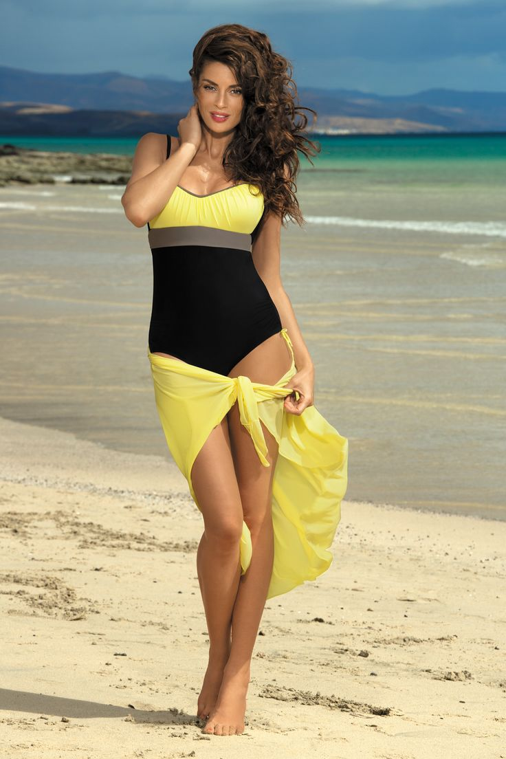 Kostium kąpielowy Whitney jednoczęściowy Tweety - Marko w sklepie olive.pl #kostium #jednoczęściowy #strój #czarny #żółty #pareo #naplażę