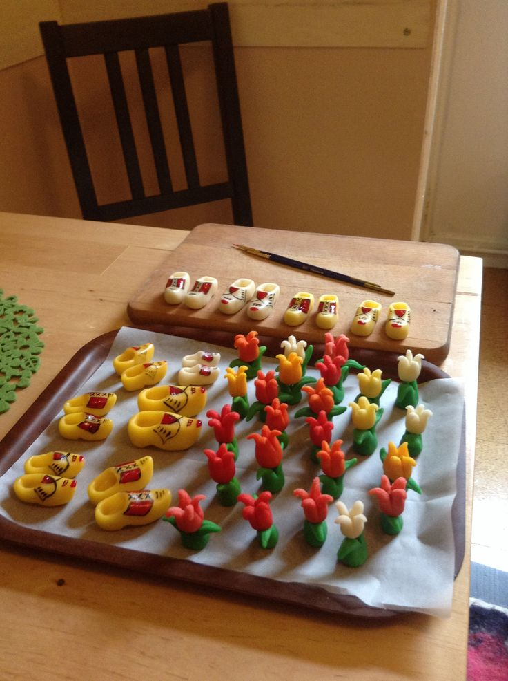 Marzipan tulips and clogs...