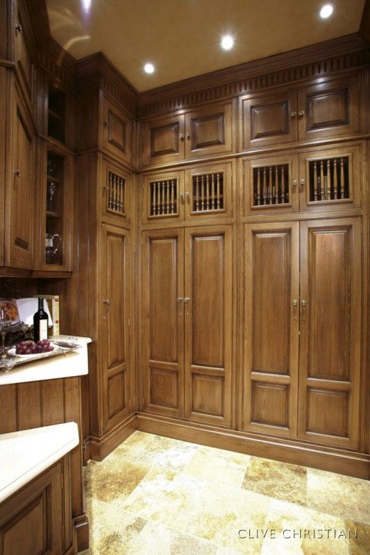 Clive christian kitchens clive christian s luxurious for Robert clive kitchen designs