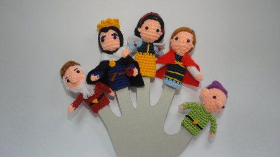 Vinger marionetten Sneeuwwitje en de zeven dwergen, vinger marionetten van de haak voor kinderen, huis accessoire cadeau voor kinderen, Waldorf speelgoed