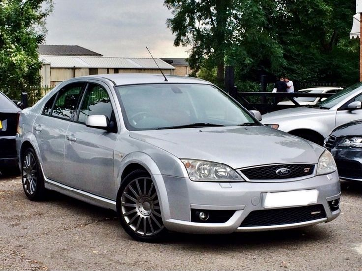 Check Out This Fast Ford Mondeo St220 Silver With Red Recaro Leather Interior