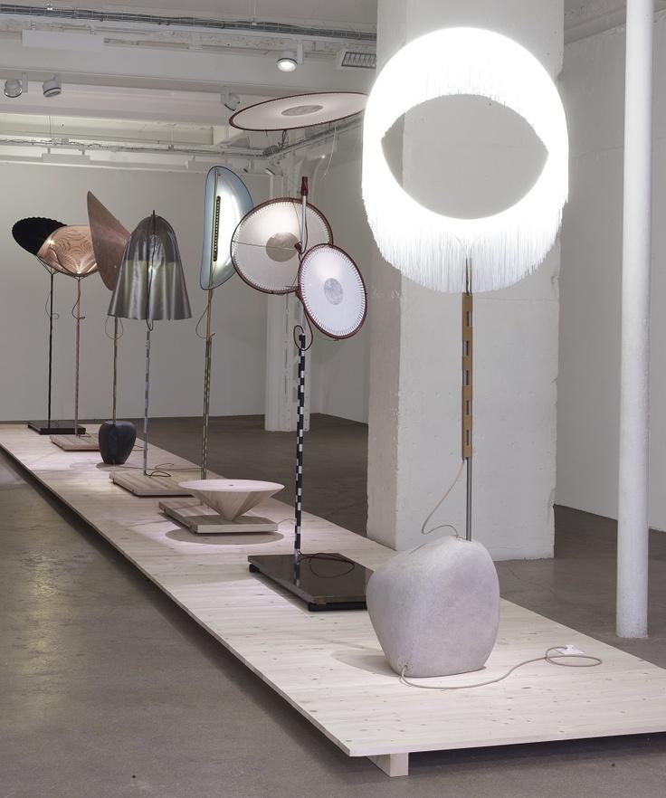 https://i.pinimg.com/736x/88/e9/e3/88e9e3edabe8544bd75b8db2900f4479--lighting-design-floor-lamps.jpg