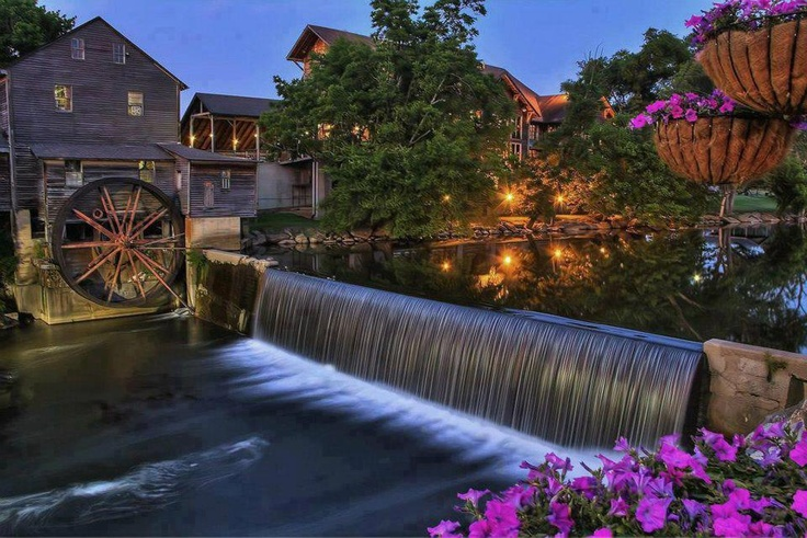 Old Mill in Pigeon Forge - Tennesse. Just 7 weeks until we are in our cabin over looking mountains and lakes in Tennessee, can't wait.
