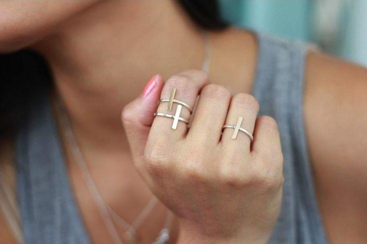 Cross bar rings.