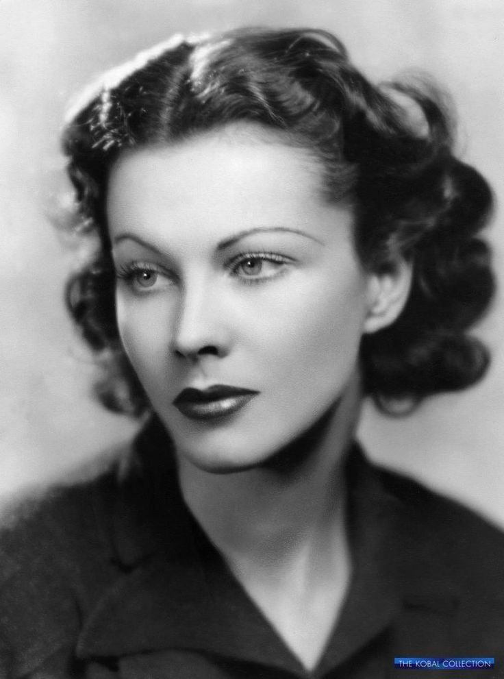 Vivian Leigh and her very distinguished eyebrow pop
