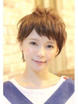 「丸顔さんこそ挑戦するべき!~似合うショートヘアスタイル集~」の記事の7枚目の画像   MARBLE [マーブル]