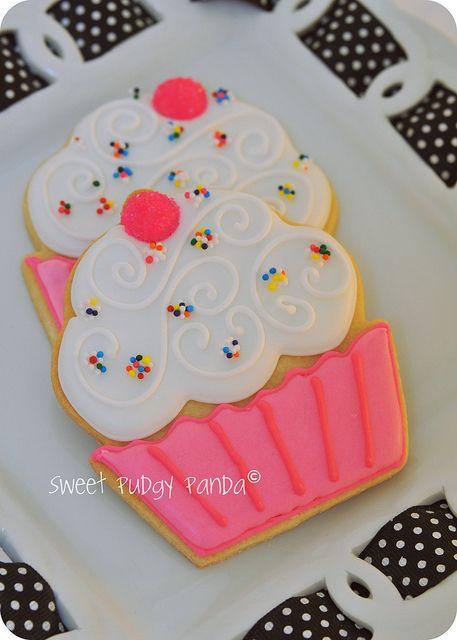 adorable cupcake cookie