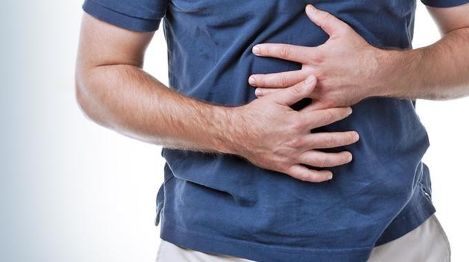 De nombreux facteurs peuvent être à l'origine de reflux gastriques dans l'oesophage, qui vous provoqueront à coup sûr des brûlures d'estomac. Mais, pour diminuer les symptômes qu'on ne peut empêcher, voici les p'tites astuces naturelles qui ont fait leurs preuves.  Découvrez l'astuce ici : http://www.comment-economiser.fr/trucs-brpulures-estomac.html?utm_content=buffer82d47&utm_medium=social&utm_source=pinterest.com&utm_campaign=buffer