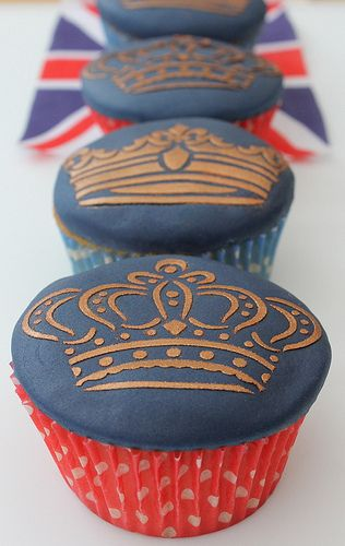 Royal cupcakes :)  Girl...you know you've made it when cupcakes have your family crown on them!!!  :)