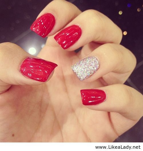 Sparkly Red Nails