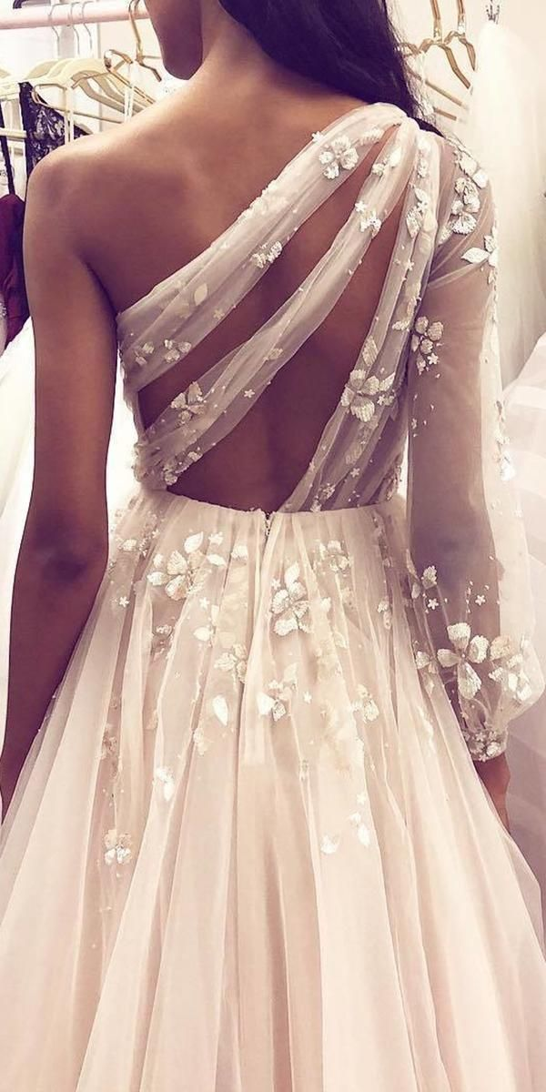 36 Totally Unique Fashion Forward Wedding Dresses In 2020 Unique Wedding Gowns Wedding Dress Styles Wedding Dresses Unique