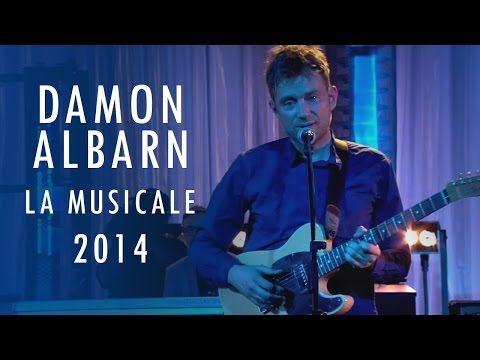 Дэймон Албарн в музыкальном шоу La Musicale live на сцене Studio 104 — LiveYS МузЖурнал
