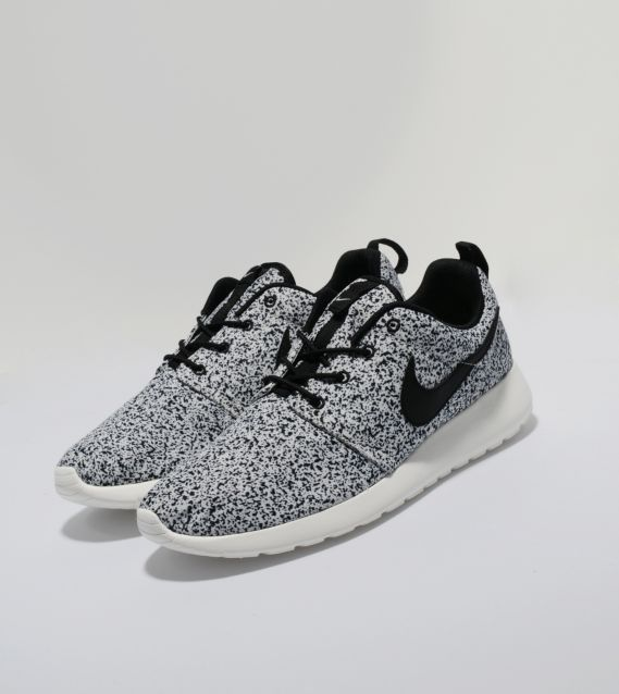 Nike roshe run # nike shoes, nike sneakers, nike running shoes,nike best shoe,womens nikes,mens nike shoes  I wonder if b would like these