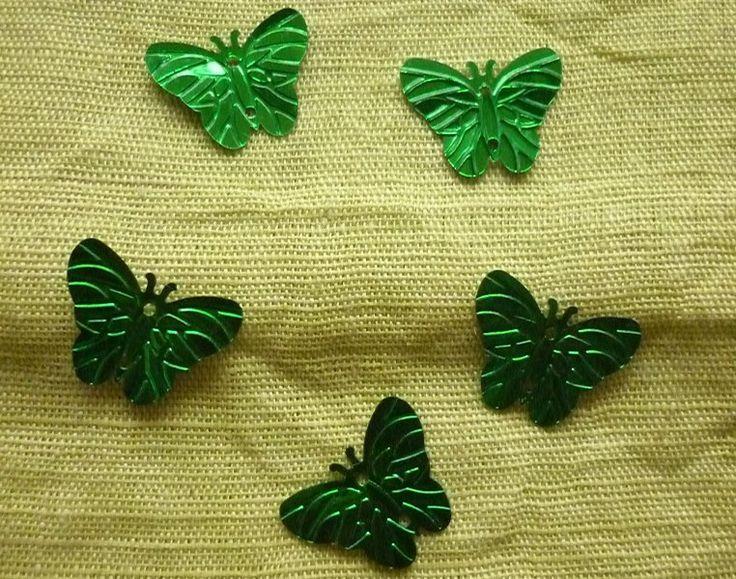 Sequins papillons vert en PVC, percés au centre. : Perles en Plastique par laboiteabijouxnanny