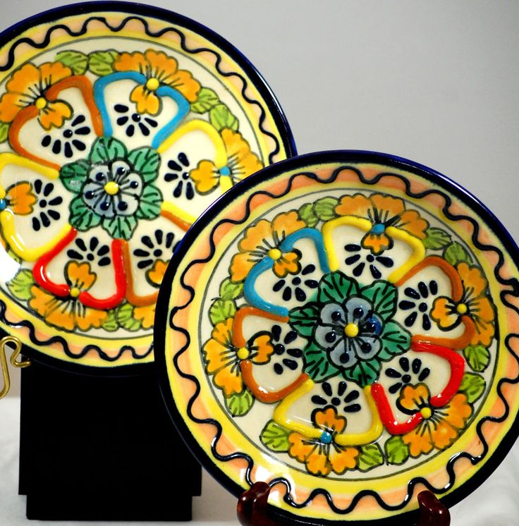 Pair Of Mexican Talavera Hand Painted Pottery Decorative Plates & 41 best Mexican pottery from Guadalajara Jalisco