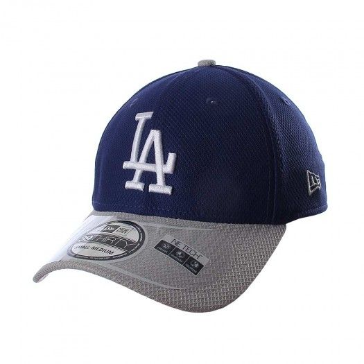 La gorra 3930 MLB Los Angeles Dodgers de New Era está diseñada para que  apoyes a tu equipo de béisbol con estilo y elegancia. Cuenta con borda… 94fc0d0c89b