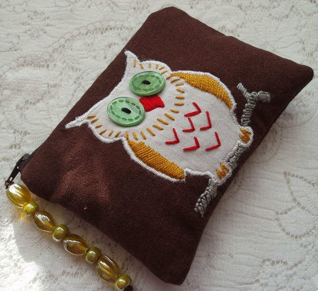 Fab owl purse...love his big button eyes!