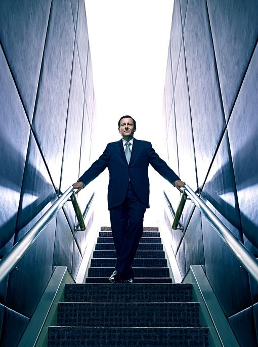 Brad Trent shooting Daniel Vasella for BusinessWeek back in 2009. I'm really fond of this shot, and I used to want to work for Dr. Vasella (indirectly, thousands of miles away, here in America) as a molecular biologist. If I ever had an excuse to do a business portrait like this with the good Dr. I'd be ecstatic. If any of you see the even older BusinessWeek portrait with the BMW motorcycle against the mountains, link me! It's the first business portrait I remember really making an…