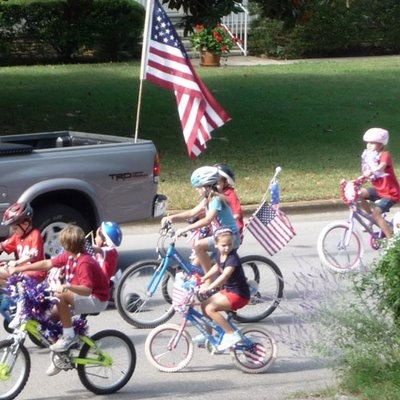 Host a Handmade Kid's Bike Parade for Any Celebration | Belly Feathers :: Handmade Party Ideas by Betsy Pruitt